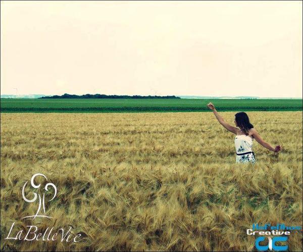 La vie, c'est comme une photo. Si tu veux qu'elle soit belle, tu dois y sourrire