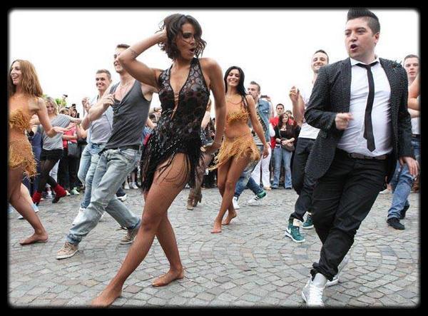 Rihanna dit que Cristiano Ronaldo est l'un de ses «amis gays» / 50 Cent accusé de violences conjugales / Julien Doré -  LØVE (Teaser) / Kaaris - Je Remplis L'Sac 2 / Je Bibi 2 (Live des studios de Generations) / Interview Medine avec  Baskets Blanches / KANYE WEST ET KIM KARDASHIAN ONT REFUSÉ 3 MILLIONS DE DOLLARS POUR MONTRER NORTH / KANYE WEST ET KIM KARDASHIAN ONT REFUSÉ 3 MILLIONS DE DOLLARS POUR MONTRER NORTH /  CARLA BRUNI COUVERTE DE BIJOUX POUR LA SOIRÉE BULGARI / SHY'M : PLUS SEXY QUE JAMAIS POUR UN FLASHMOB AU SACRÉ C¼UR