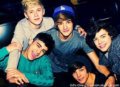 • 14 Photos One Direction