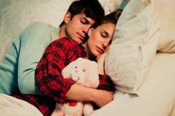 On arrive pas à dormir l'un sans l'autre
