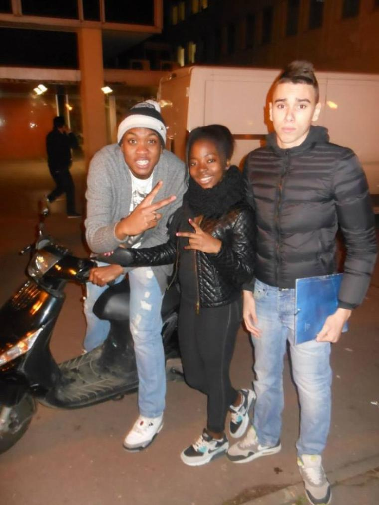 Avec le Frere et la Fatounight