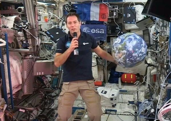 Thomas Pesquet, en direct de l'espace : « C'est beaucoup mieux que ce que j'imaginais »