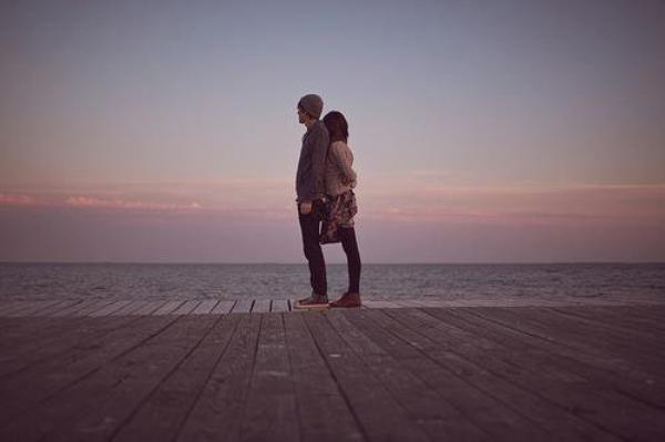• Aimer, ce n'est pas se regarder l'un l'autre, c'est regarder ensemble dans la même direction♥