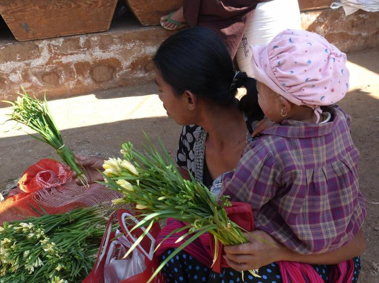 Myanmar 5 : Marché aux fleurs
