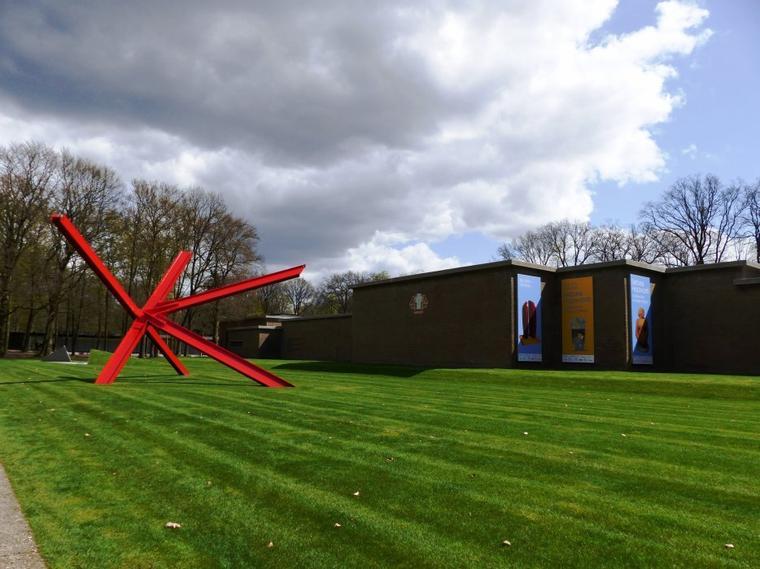 Hollande : Le musée Kröller-Müller : l'extérieur