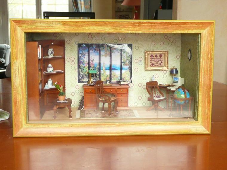 Vitrine miniature : Bureau de ma fille Muriel