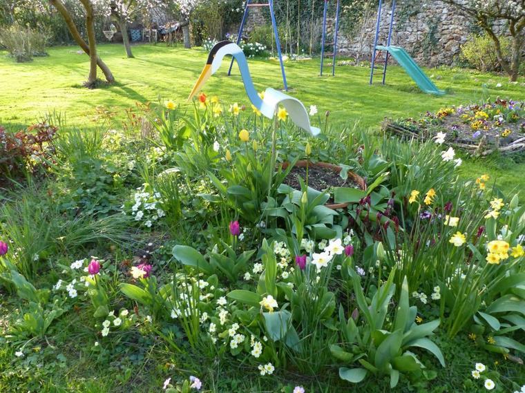 Retour de voyage avec le printemps dans le jardin.