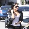 Demi a été photographié alors qu'il quittait Nail Spa Romance dans Studio City, CA le 10 mai 2010.