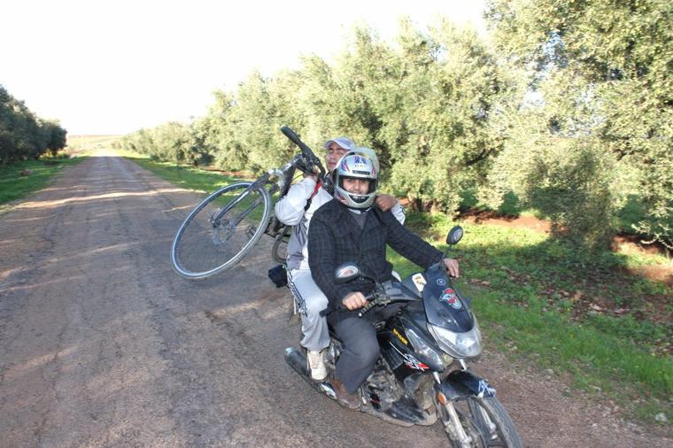 """Cyclotourisme.La dernière sortie en 2012. Mardi 11 Décembre : Agourai ( géri => Les sources naturelles d'eau chaude """" Ain géri """"). + de 34km. ^^"""