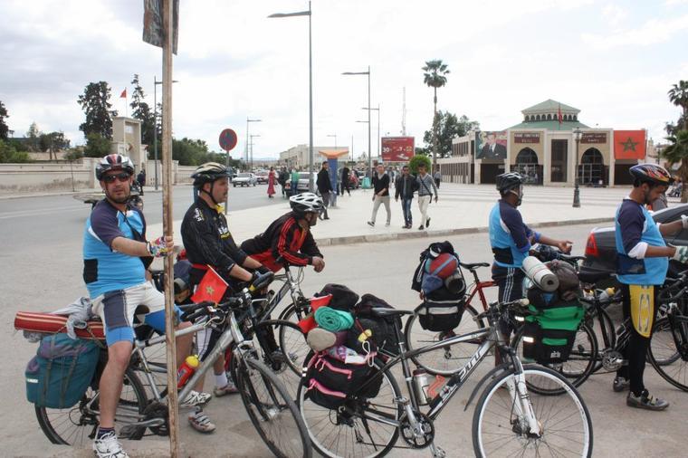 "ASCM $) ,cyclotourisme n°1au Maroc.la sortie : Oujda, Jrada, Ain Beni Mathar, Tindrara, Bouarfa & Figuig "" 368km / du 20 au 25 Avril 2014"""