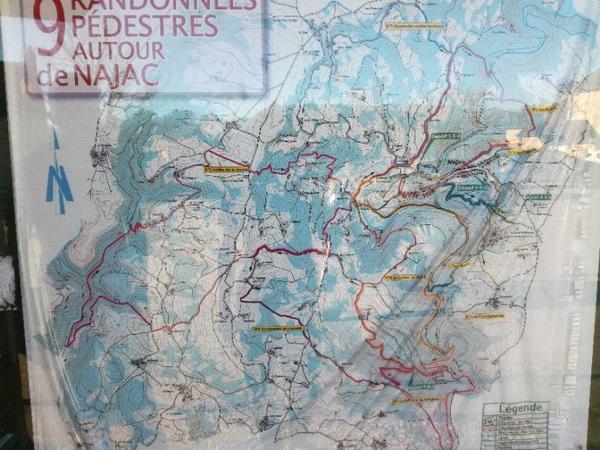 Différent circuit de randonnée sur Najac !