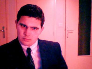 """Sébastien Janody Officiel; """" IL ME DECLARE LA GUERRE CE PINGUIN """""""
