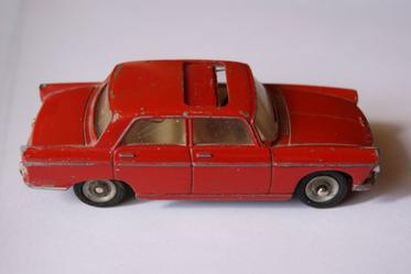 DINKY TOYS PEUGEOT 404 REF/536