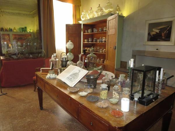 ♥ ♥ Venise -  Musée de l'Histoire du tissu & du costume avec les itinéraires dédiés au Parfum ♥ ♥