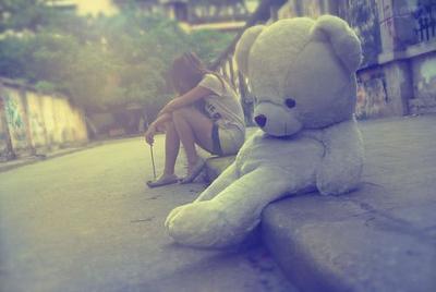 « Certains disent qu'on reconnaît le grand amour lorsqu'on s'aperçoit que le seul être au monde qui pourrait vous consoler est justement celui qui vous a fait mal. » Guillaume Musso