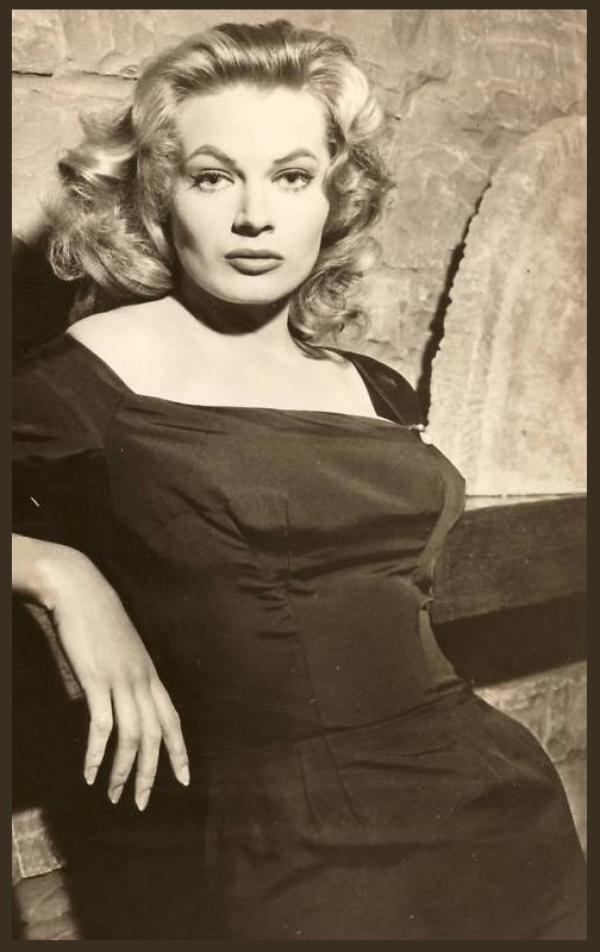Anita EKBERG '50 (29 Septembre 1931)