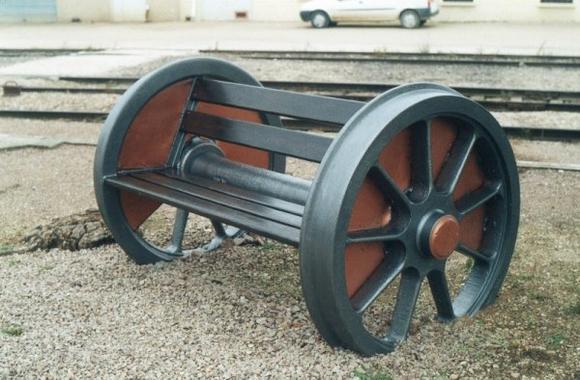 un banc original ferrovipat88. Black Bedroom Furniture Sets. Home Design Ideas