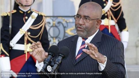 Délégation française aux Comores : Versions de la RFI et de la Présidence