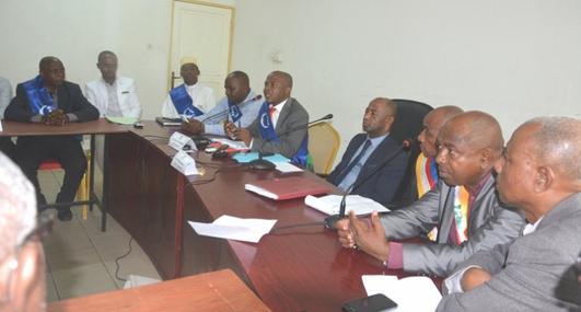 Crise politique : Tirs groupés des maires et conseillers de Ngazidja contre le gouverneur
