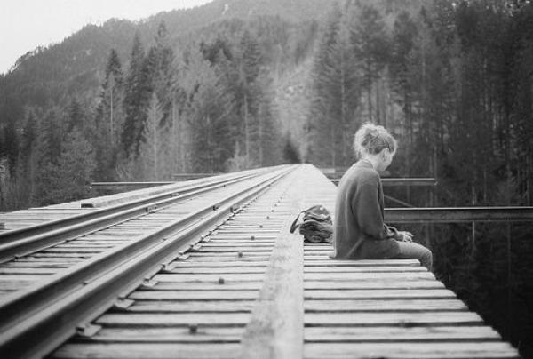 «C'est dur d'oublier une personne qui a compté dans un passage de notre vie, c'est même impossible de l'oublier, même si un autre vient prendre sa place, il y aura toujours des cicatrices qui ne s'envoleront jamais...» Anonymous.