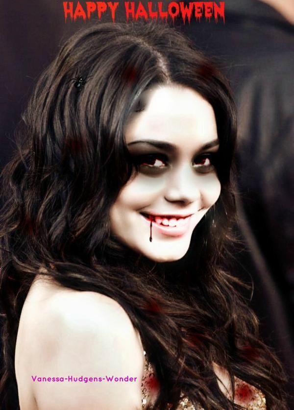 Stella et Vanessa déguisé en vampire pour Halloween.