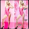 """. LA PHOTO WAW . Voici le 2eme article spécial de cette nouvelle rubrique : """" La photo WAW """". Aujoud'hui je vous montre un truc qui me rassure vraiment enfaite, le fait que le photo de droite nous montre que Britney Spears à un super corps peut en compléxer certaines :) Mais finalement on se rend bien compte grace à la photo de gauche qu'elle est comme nous !  .............Tu es pour ou contre la retouche des photos des stars et mannequins ?"""