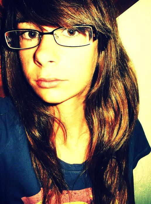 ~ Je voudrais être un poignard , pour te faire couler ton sang , comme toi quand tu as fait couler mes larmes... </3