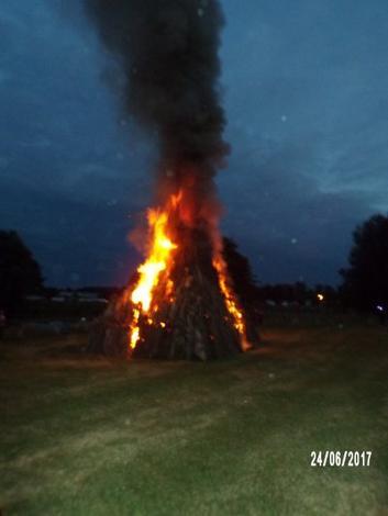 feu de la saint Jean à Aumale 24.06.17