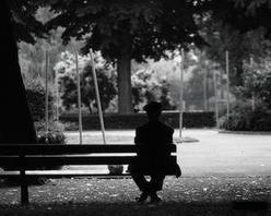 Le désespoir est assis sur un banc