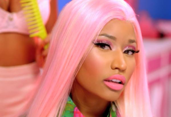 Nicki Minaj et Cassie chantent pour les gars !