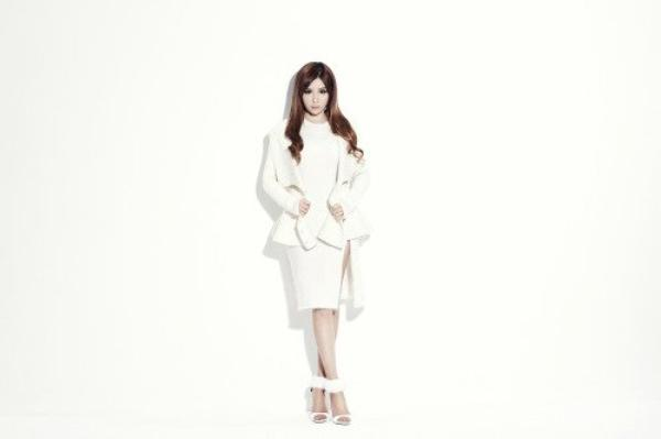 "La membre du groupe,  2NE1, Park Bom  pour  ""Adidas"" 2014 +  Concept photo ""Gotta be you"", ""Missing you"" & ""All i want for christmas is you""  Une demande de ILive-ForThem"