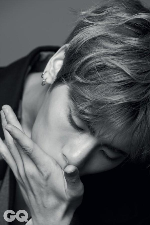 사진    Kim Jong Hyun , membre du groupe SHINee pose pour le magazine  GQ , Mars 2015   김종현