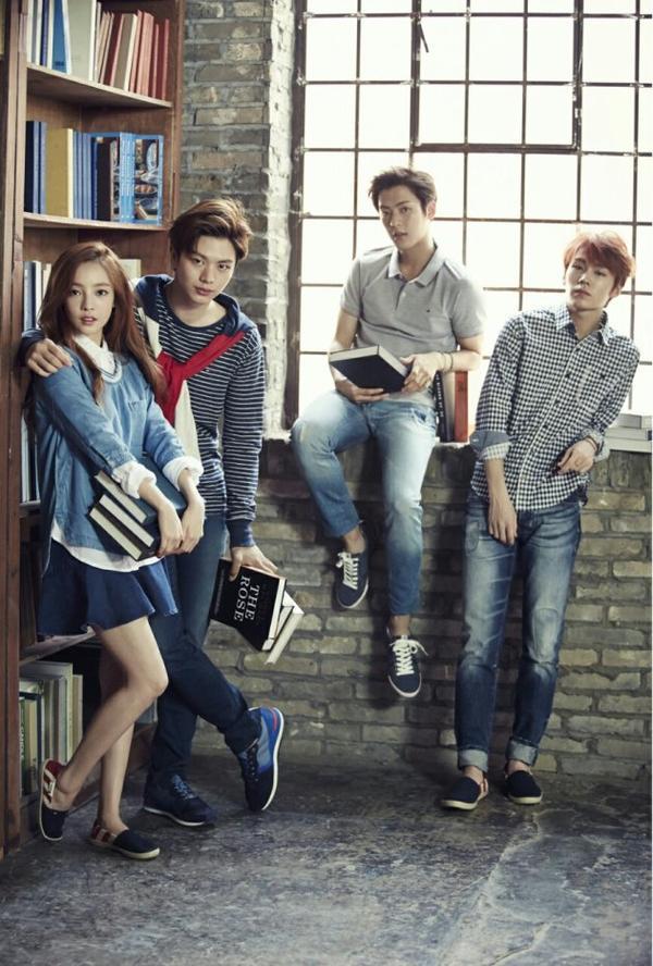 사진   Les membres du groupe BtoB :   Ilhoon , Sungjae, Minhyuk et  Goo Hara  du groupe KARA posent pour  High Cut