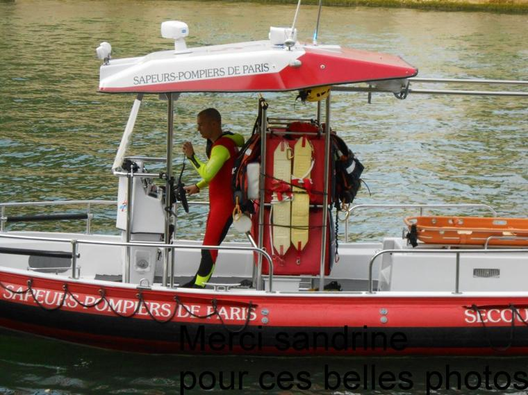EXERCICE DES POMPIERS PLONGEURS DE PARIS