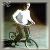 ana (au vélo) au nuit