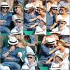 - 03/06 -  Roland Garros - Nos tourtereaux n'ont pas l'air très intéressé par le match;Ben oui, c'est bcp plus drôle de se foutre du voisin. Ou de se faire des câlins. ;)-