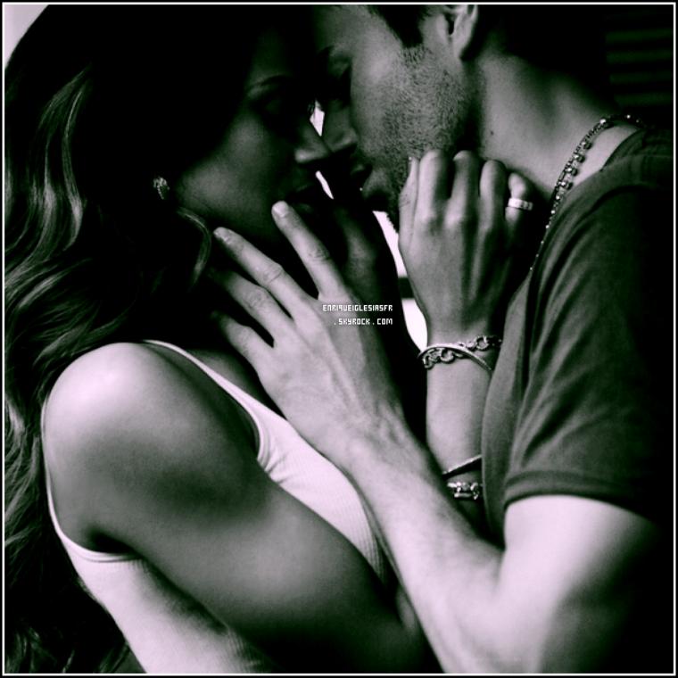 . Découvre ou Re-Découvrez un shoot réaliser avec la belle Ciara pour le single « Takin' Back My Love » .