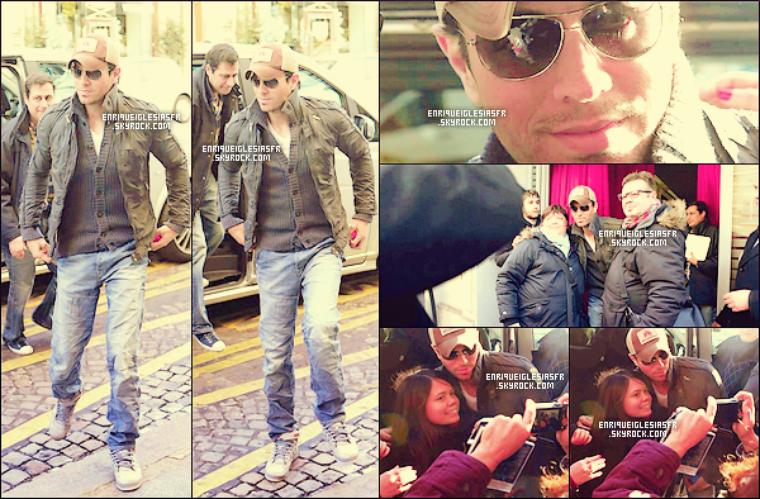"""05/02/14 Enrique  était de passage à Londre à la radio """"Capital FM""""pour la promo de l'album""""SEX & LOVE""""."""