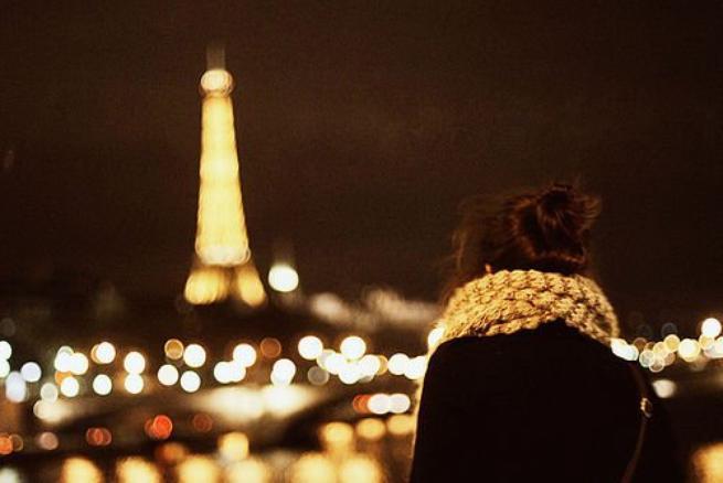 C'est triste de devoir pleurer en silence car les gens ne peuvent pas comprendre la douleur de son absence.♥