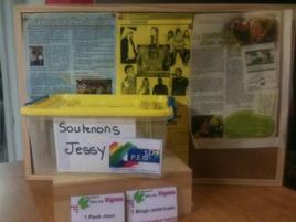 La chaine de solidarité  mise en place à la salle des vignes