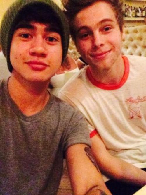 Calum Hood & Luke Hemmings !!!