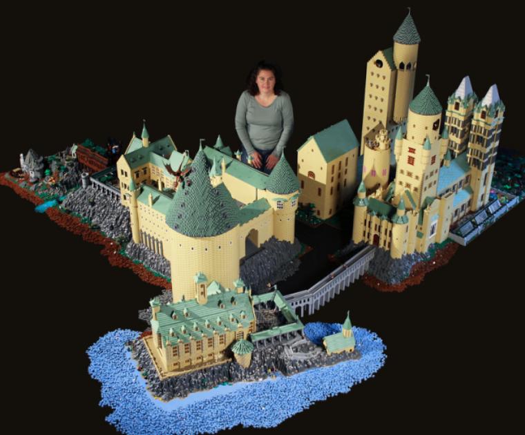 Un poudlard en 400 000 legos.