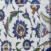 Panneau du mausolée de Selim II - Détail d'un carreau - Louvre - Céramique siliceuse décor sur couche siliceuse et sous glaçure transparente - Turquie Iznik - vers 1577
