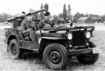 jeep willys armes et chars de la 2 guerre mondiale. Black Bedroom Furniture Sets. Home Design Ideas