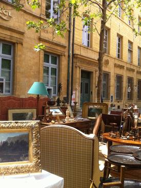 Booking in Aix en Provence +33 (0)6 68 09 54 56