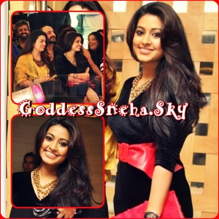 Goddesssneha S Articles Tagged Sneha Fashion Show Goddesssneha Skyrock Com