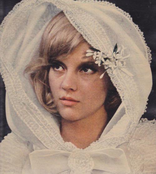 Sylvie Vartan, la jolie poupée ♥