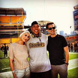 Chelsea et Stephen Colletti ainsi que Jane Seymour on rendue visite a Hines Ward (DWST)  pendant le tournage de Lovestruck A Pittsburgh