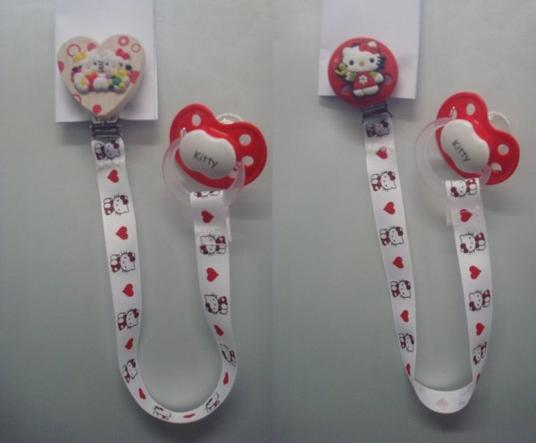 Attache-lolette ...... Hello Kitty