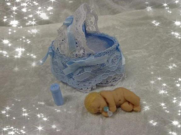 Quatre petites crevettes .............
